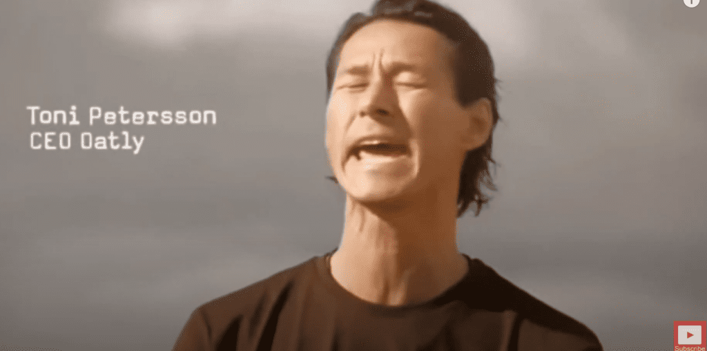 Oatly CEO Tony Peterson singing Wow Wow No Cow in Super Bowl Commercial